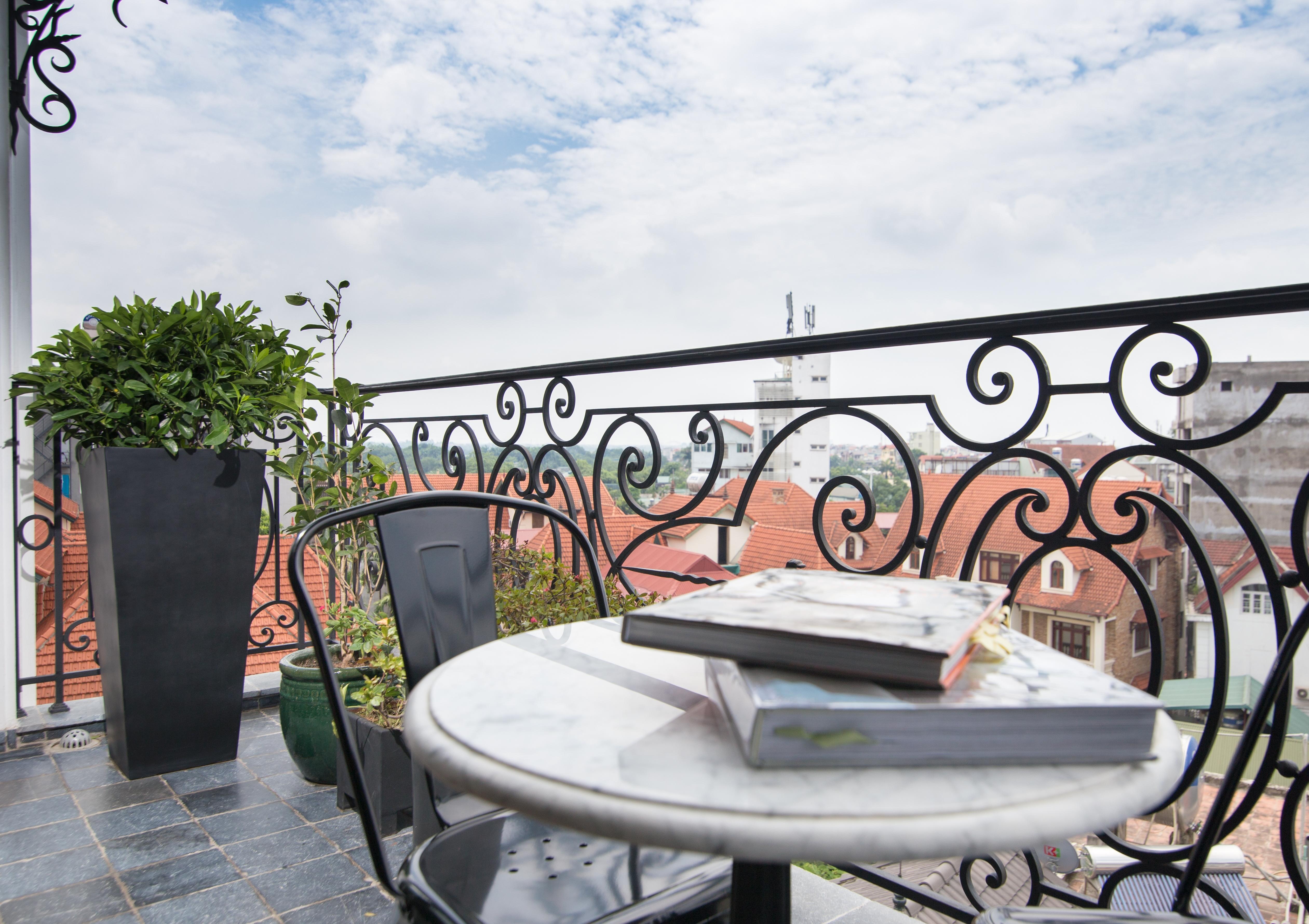 balcony-fence